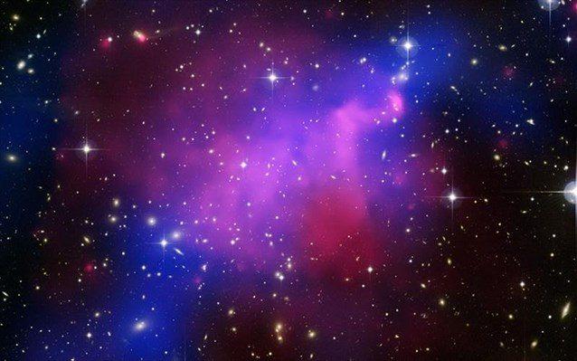 Οι επιστήμονες υποστηρίζουν επίσης πως, στο «νεαρό» σύμπαν, η σύγκρουση των «σκοτεινών πιονίων» μείωσε την ποσότητα της σκοτεινής ύλης.