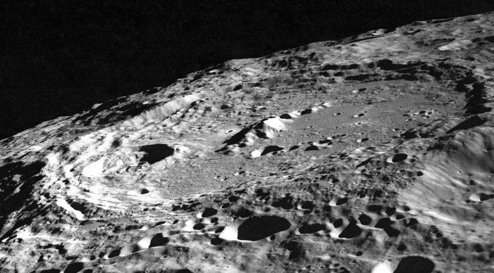 Από τι είναι φτιαγμένη η Σελήνη;
