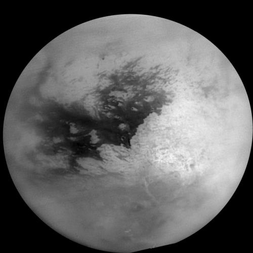 Cassini image of Titan in polarized infrared from its narrow-angle camera