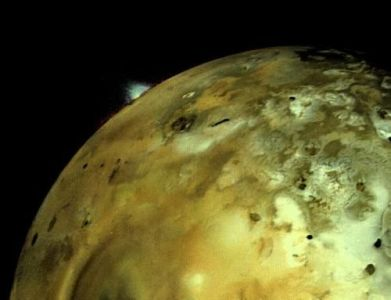Voyager 1 discovers volcanoes on Io