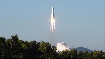 chi - La Chine réussit le lancement d'un nouveau vaisseau spatial