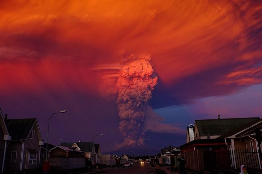 http://time.com/3832353/calbuco-volcano-erupts-chile/
