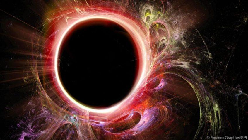 A fronteira dum buraco negro poderia ser uma flamejante firewall. Crédito: Equinox Gráficos / SPL