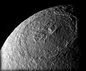 Crater Odysseus de la superficie de Tetis