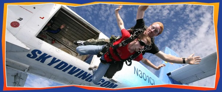 Tandem Skydiving - Adventure Skydiving Tennessee