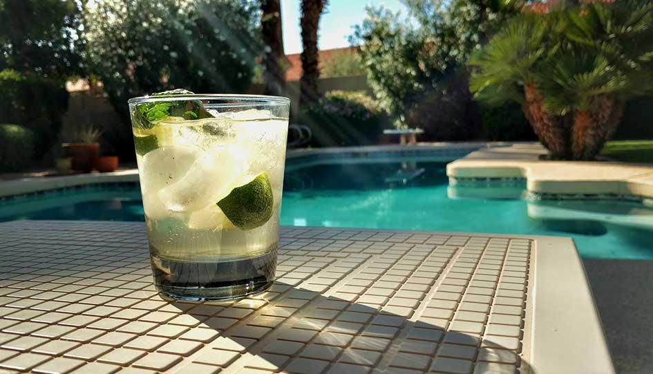 décoration autour d'une piscine : tout ce qu'il faut pour passer de bons moments autour de votre piscine