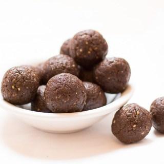 Chewy Chocolate Hazelnut Energy Bites