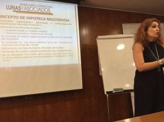 María José Lunas, experta en derecho bancario, es la directora del curso