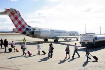 Volotea, primera compañía aérea demandada por ASUFIN por cláusulas abusivas