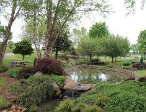 gardens-at-shelton-vineyards
