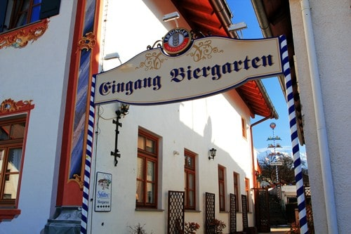 German Dining Etiquette What You Need To Know