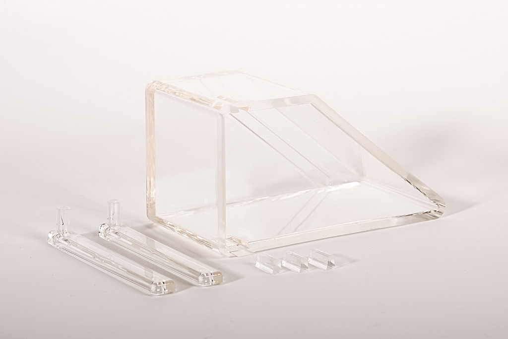 Piece plastique transparente