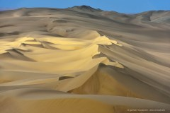 Beautiful sand dunes near Iquique, Atacama Desert