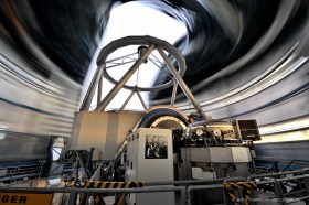 VLT telescope on Cerro Paranal, long exposure blurs the rotation of the dome
