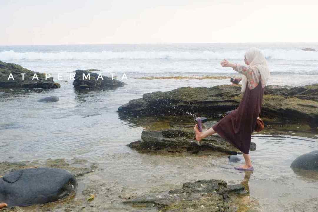 Pantai di Kaur (4)