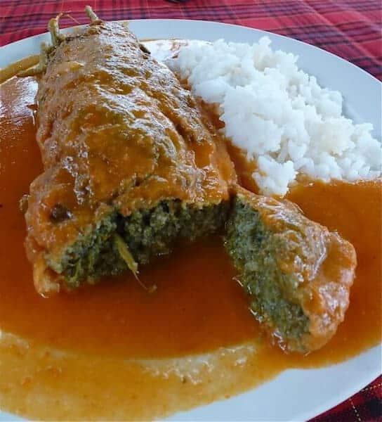 El huauzontle puede prepararse con salsa roja, verde, de chile pasilla, de flor de calabaza o de mole.