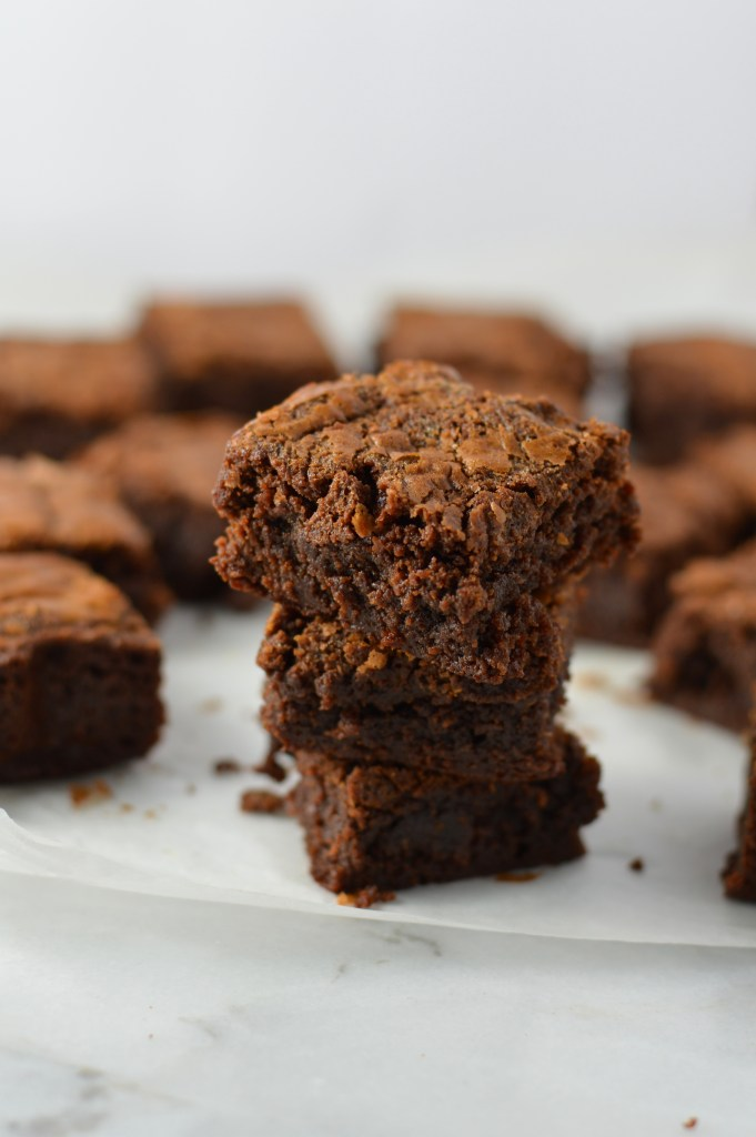 Gooey Nutella Brownies that are so easy to make and taste great. This is the perfect dessert recipe to make when you need a fudgy chocolate treat.