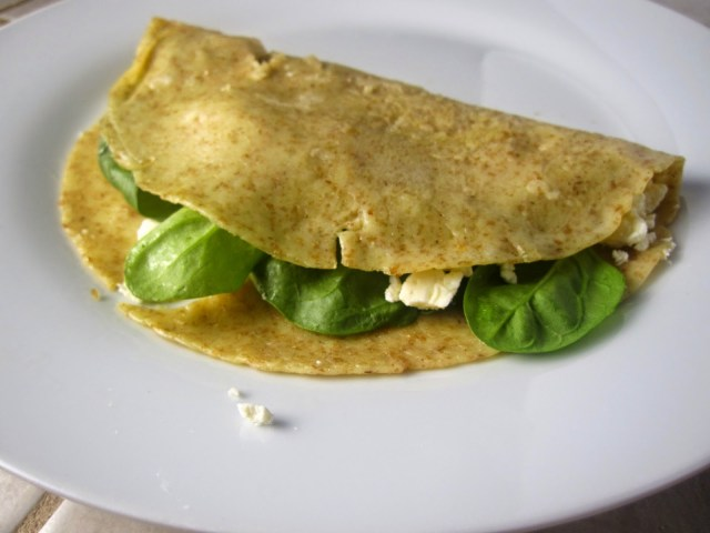 Whole wheat spinach and feta crepes. A fast and easy healthy vegetarian dinner