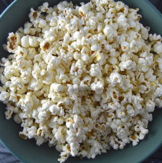 Coconut Oil and Himalayan Salt Popcorn