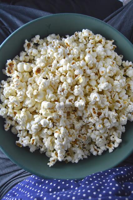 Coconut Oil and Himalayan Salt Popcorn