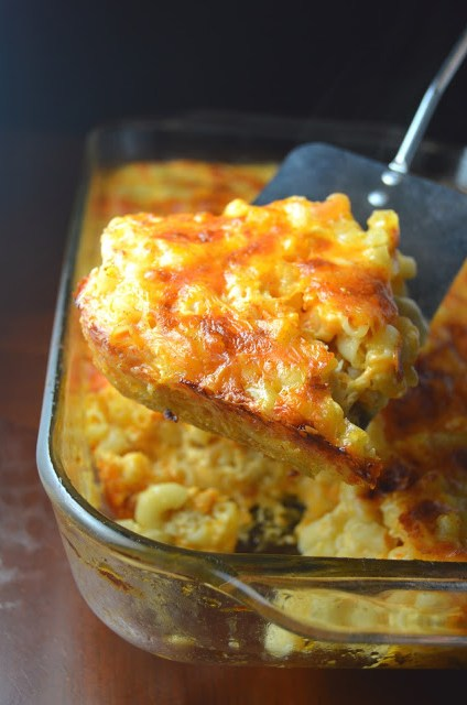The best Baked Macaroni and Cheese packed with two types of cheese and cooked to perfection. So easy to make, this is a great weekday meal recipe the whole family will enjoy.