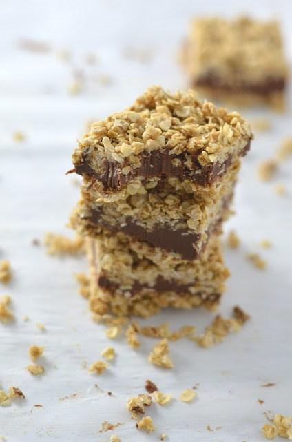 No Bake Peanut Butter and Chocolate Oat Fudge Bars Recipe