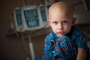 00137970-005, 09-10-09, children inpatient, portraits, inpatient room, infusion pump, bald, smiling, male, boy, Carson Ross,