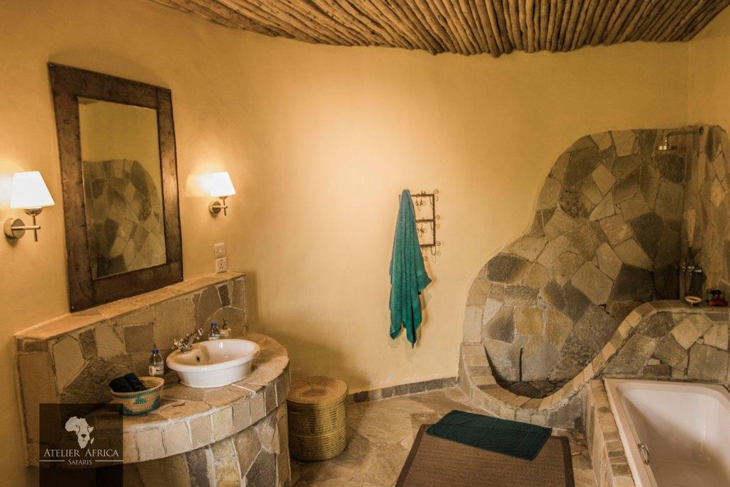 Mikeno Lodge - Congo Safari - Bathroom