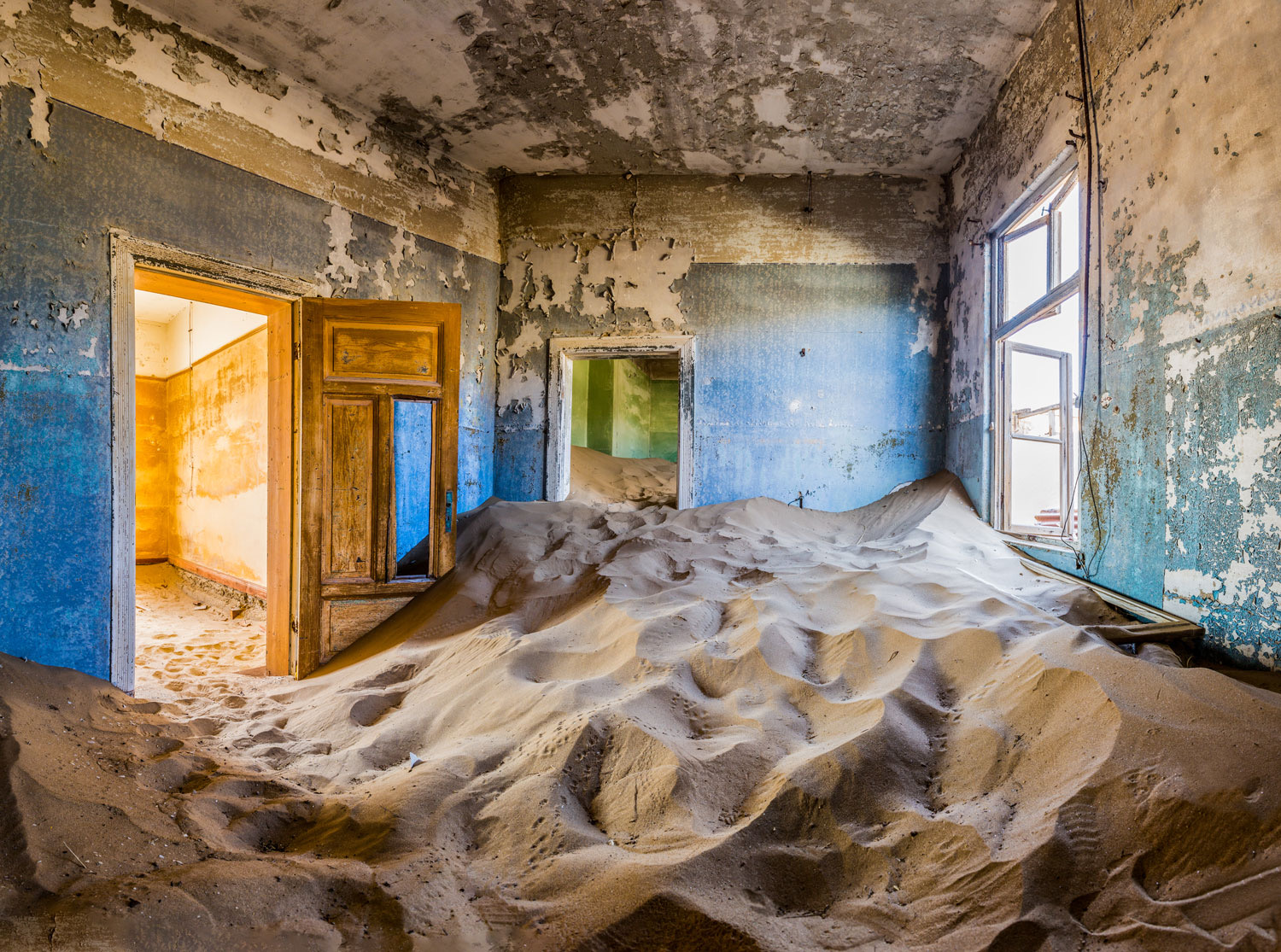 Namibia Luxury Safari Ghost town of Kolmanskop