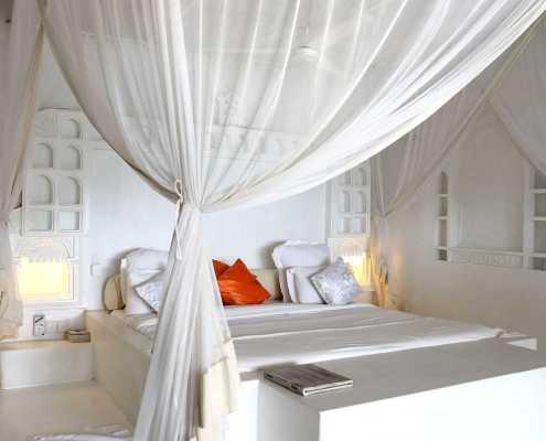 White room at Sambweni Beach