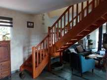 Escalier traditionnel avant changement par Escalier suspendu de l'Atelier du bois