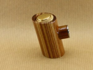 left view of my vertical barcod electronic pipe with tilted poker shape and worked in walnut wood
