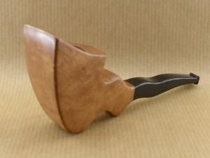 """pipe originale en bruyère """"flying ribbon"""", vue de côté"""