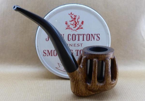 """Présentation de ma pipe """"Rustica"""" en chêne et fourneau graphite."""