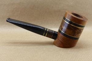 """Right view of a contemporary tobacco pipe from collection """"COLORS"""". No3 Thuyawood burl."""