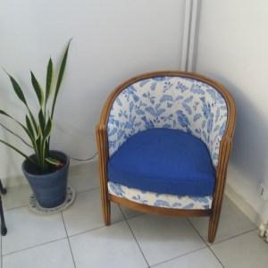 fauteuil  tonneau bleu