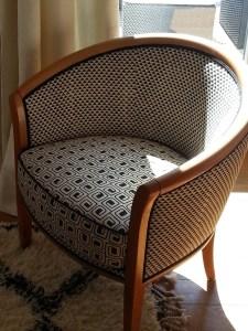 recouvrement fauteuil tonneau noir:blanc