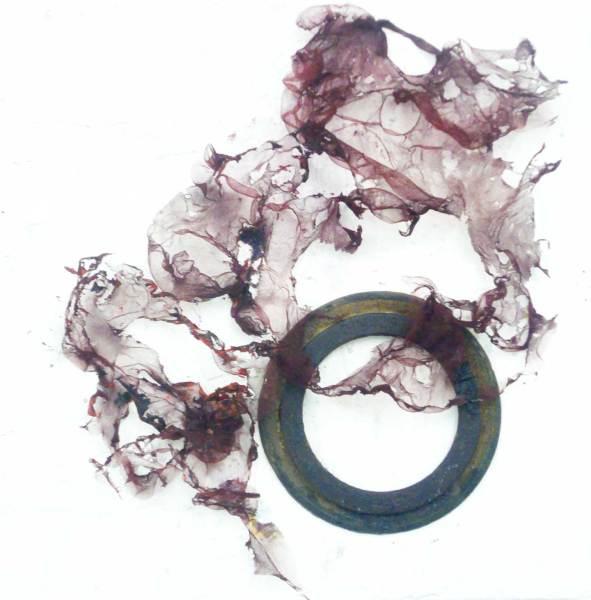Leicht und Schwer, Tüll, Eisen auf Leinwand, 40x40