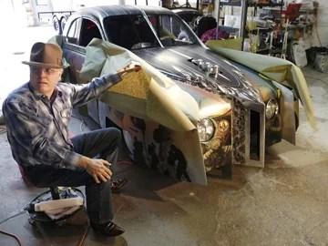 steven vaugan Hot Rodpeint à la main Avant transformationc'était une SAAB/1970 Tas de ferraille devenu pierre précieuse estimé 1.2 millions de $ Expert David Streets