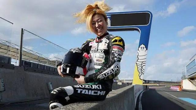 Naoko pilote féminine moto
