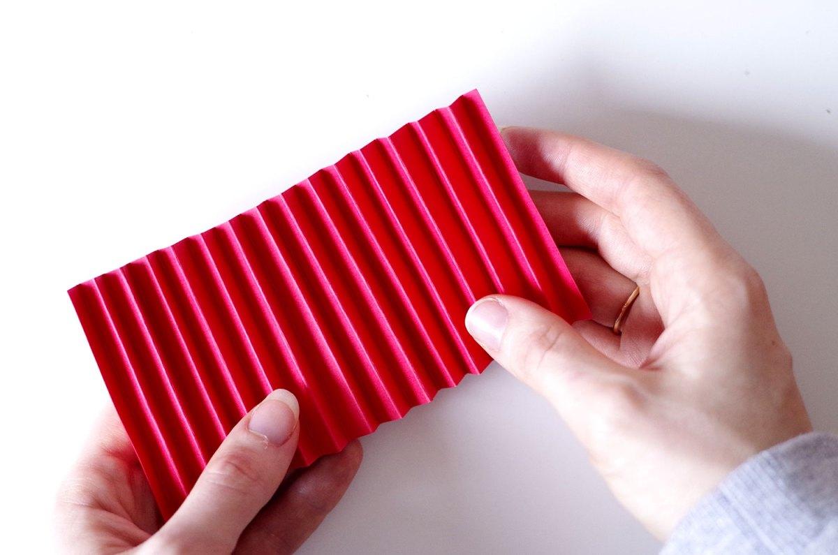 DIY Un cadre En origami pour mon miroir pour un look géométrique (4)