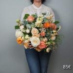 bouquet-pecher-mignon-atelier-lavarenne-fleuriste-lyon-85
