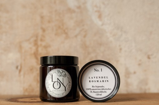 Duftkerze Lony Organics No.1 Lavendel Rosmarin, atelier.91