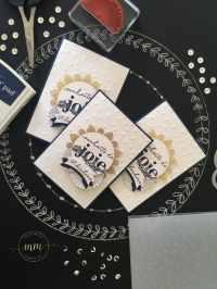 Cartes de bonne année, vœux, Flocons de neige métallisées, Framelits Formes à coudre, Set de tampons Sale a bration Simplement formidable, Set de tampons Sale a bration Souhaits sympas, plioir à gaufrage sequin épars, Perforatrice Deux banderoles par Marie Meyer Stampin up - http://ateliers-scrapbooking.fr - Happy New Year Card, Framelits Stitched shapes, Amazing You Clear-Mount Stamp Set, Happy Wishes Wood-Mount Stamp Set, Scattered Sequins Dynamic Textured Impressions Embossing Folder, Duet Banner Punch - Neue Jahr Karte, Stickmuster Framelits Formen, Einfach Wunderbar Stamp Set, Beste Wünsche Stamp Set, Textured Impressions Tiefen-Prägeform Pailletten, Bannerduo Stanzen