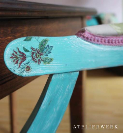 Detail Stuhl türkis