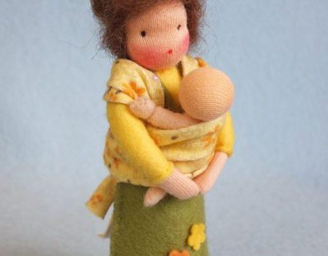 353 Moeder-met-baby-in-draaddoek