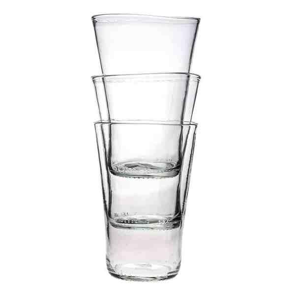 Frilagd bild på 3 stapelbara glas i klarglas, staplade i varandra