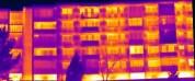 Panoraminė daugiabučio namo termonuotrauka