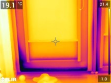 Svetainės terasos durų termonuotrauka
