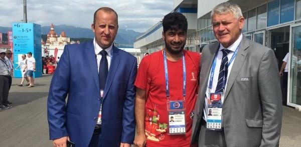 """أكدّ بأنه """"شرفٌ كبير"""" : عُماني يمثل العرب في كأس العالم 2018"""